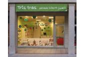 Zapatería Infantil Tris tras